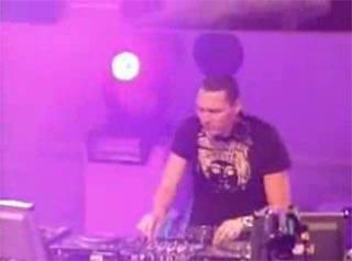 DJ Tiesto - live@Museumplein (29-04-2006)